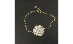 Bracelet fin doré médaillon en résine et feuille d'argent pur