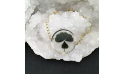Bracelet fin doré résine et trèfle à quatre feuilles