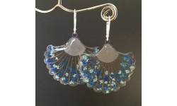 Boucles d'oreilles «Zoé» fleuries ton bleu