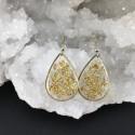 Boucles d'oreilles fragments de feuille d'or en suspension gouttes dorées