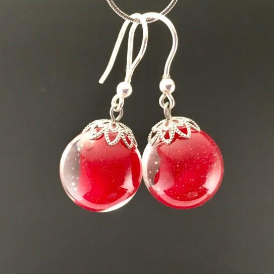 Boucles d'oreilles pétales de rose rouge 16mm crochets argent