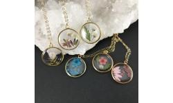 Médaillon composition florale collier gold filled 14 carats