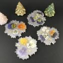 Sous-verres en résine, fleurs séchées et feuille d'or, fond blanc nacré